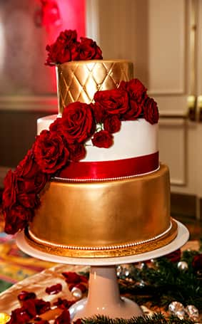 red gold and green wedding cake wedding cake wednesday gold sophisticated 19122