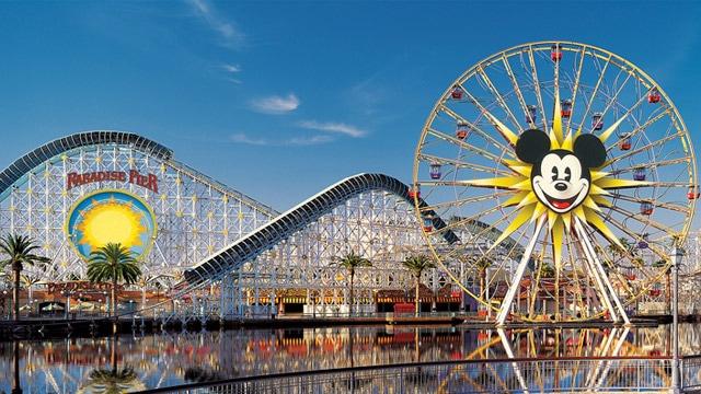 The Paradise Pier area roller coaster and ferris wheel at Disney California Adventure Park